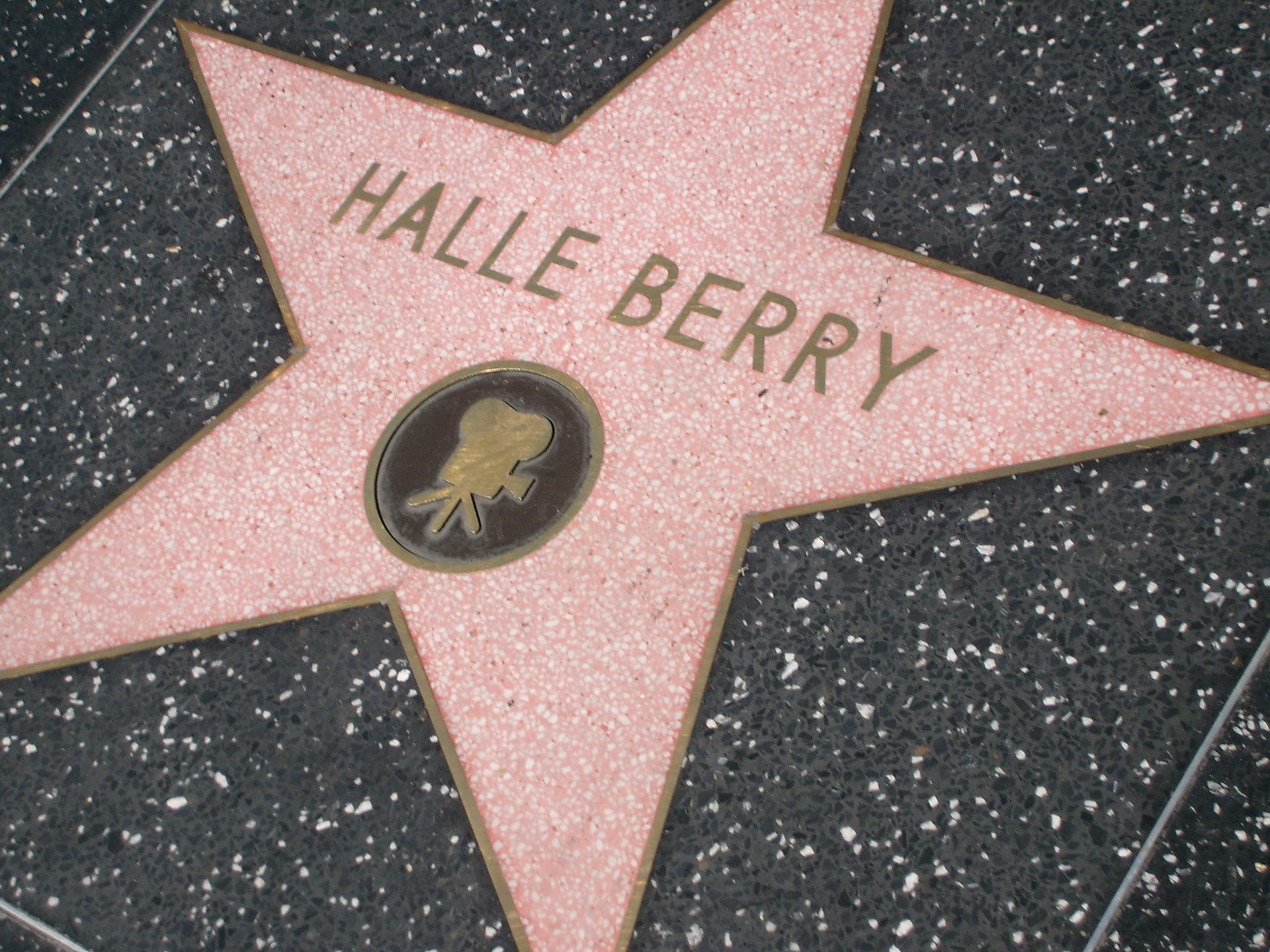 Script Sales from September 2018 - halle berry walk of fame star