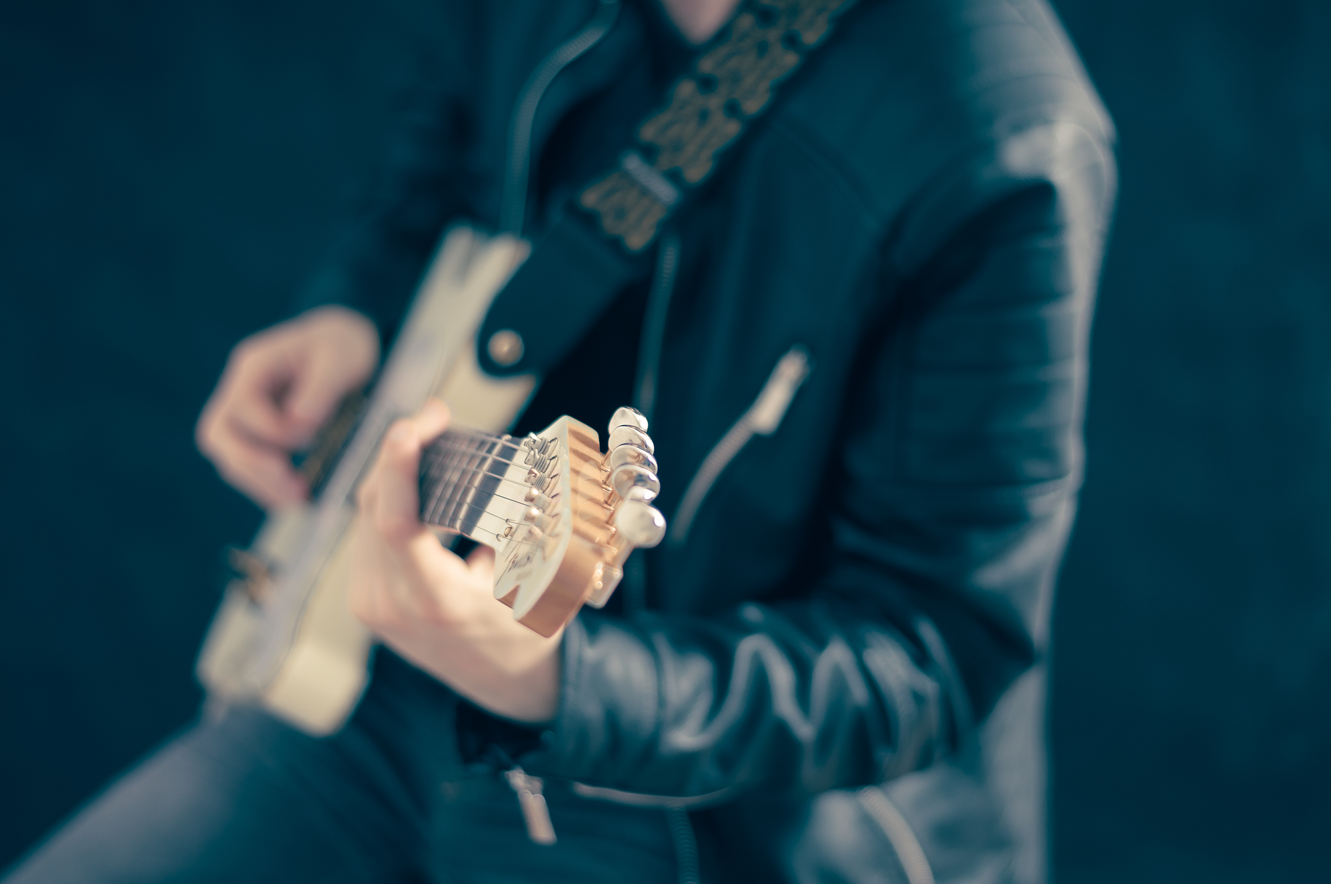 bohemian rhapsody guitarist